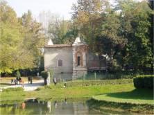 11. Parco Querini_la torretta e il castelletto delle serre_2013